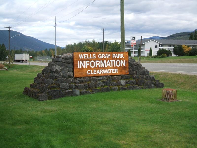 0 km Wells Gray Info Centre sign